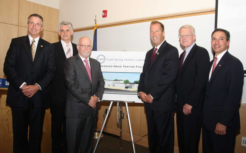 Lieutenant Governor Bob Duffy visits Cold Spring Harbor Laboratory