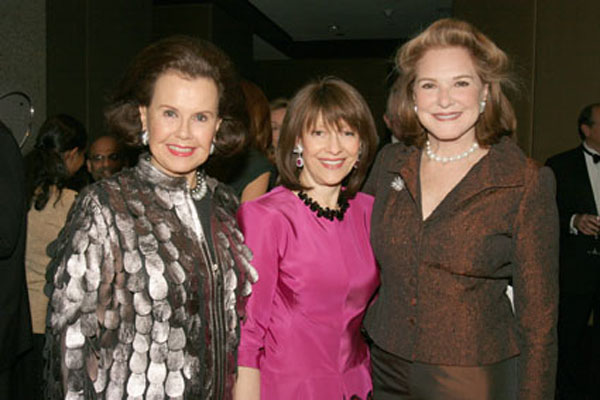 Hillie Mahoney, Evelyn Lauder and Gail Hilson