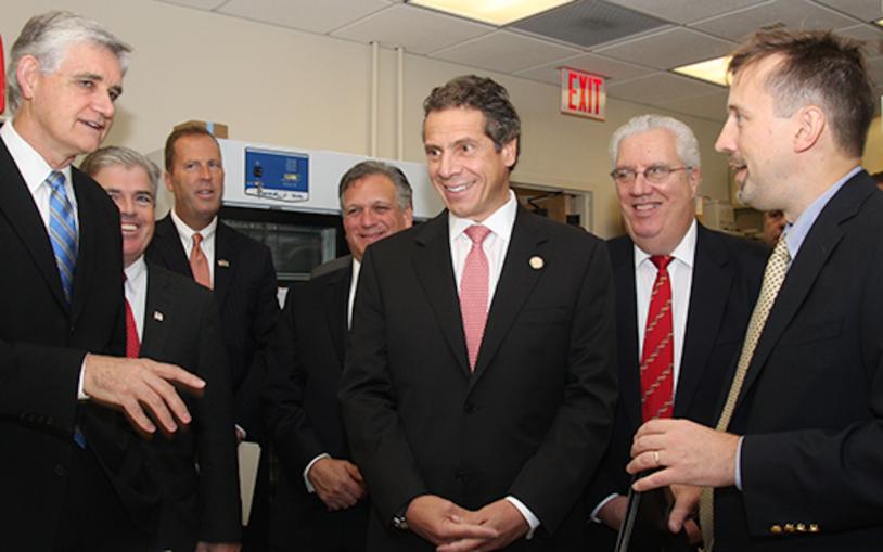 New York State Governor Cuomo visits CSHL