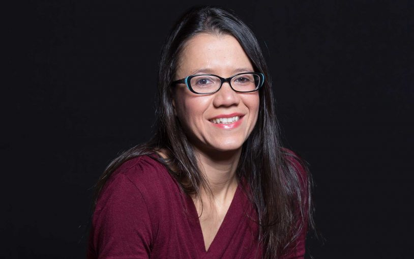 Cancer researcher Camila dos Santos of CSHL is named a Rita Allen Foundation Scholar