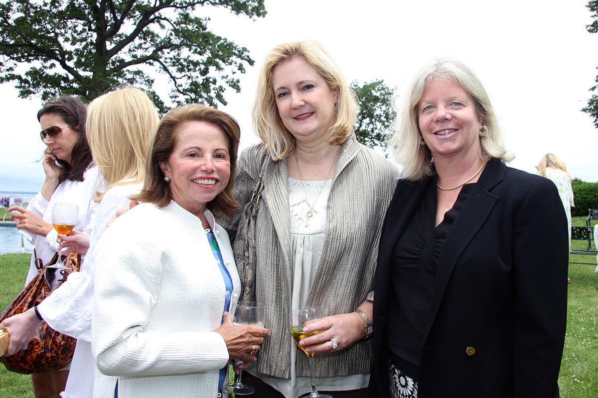 Olga Duke, Anne Goodwin, Annie Kerr