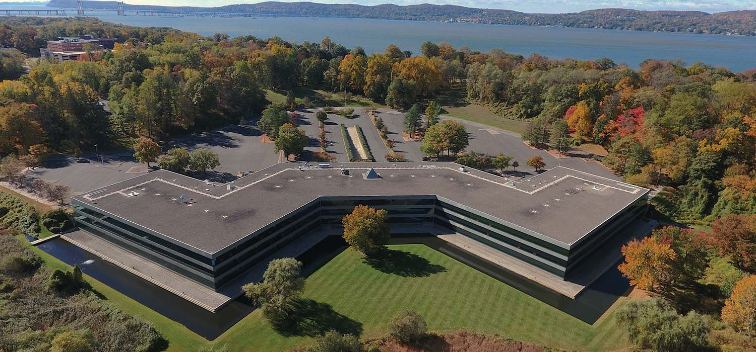 photo of aerial view of Regeneron DNA Learning Center