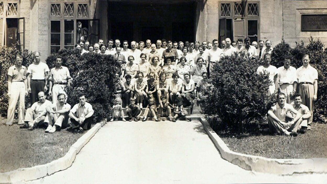 photo of Symposium group 1937