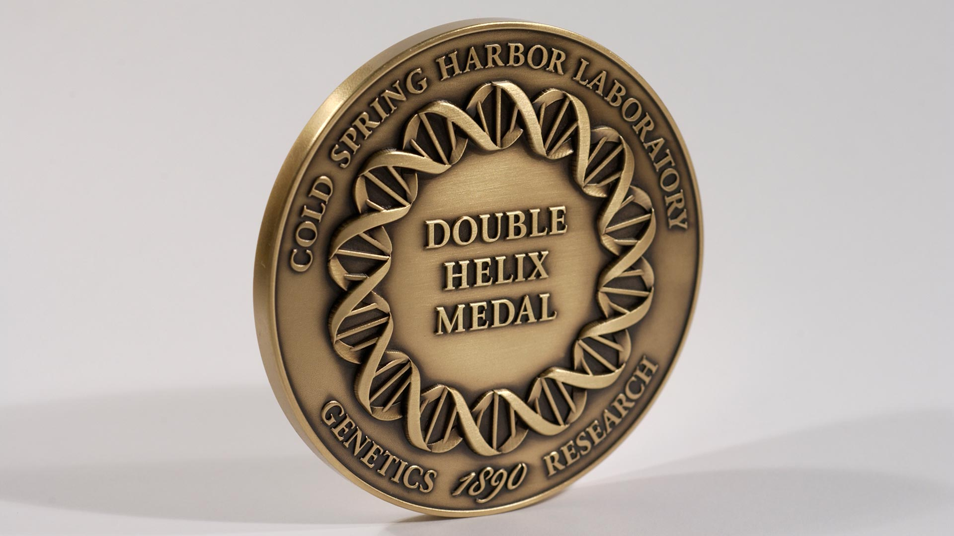 photo of the CSHL Double Helix Medal