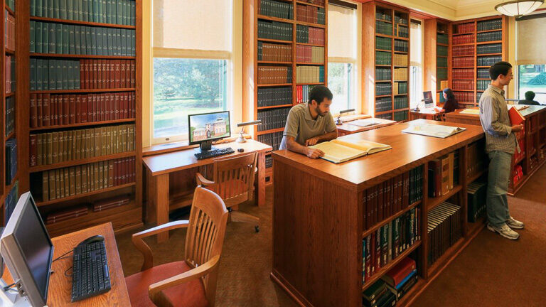 photo of the inside of CSHL Library reading room