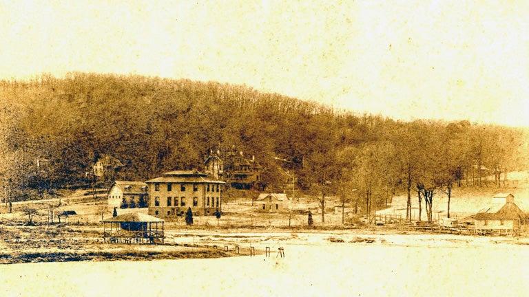 historic photo of Cold Spring Harbor Laboratory