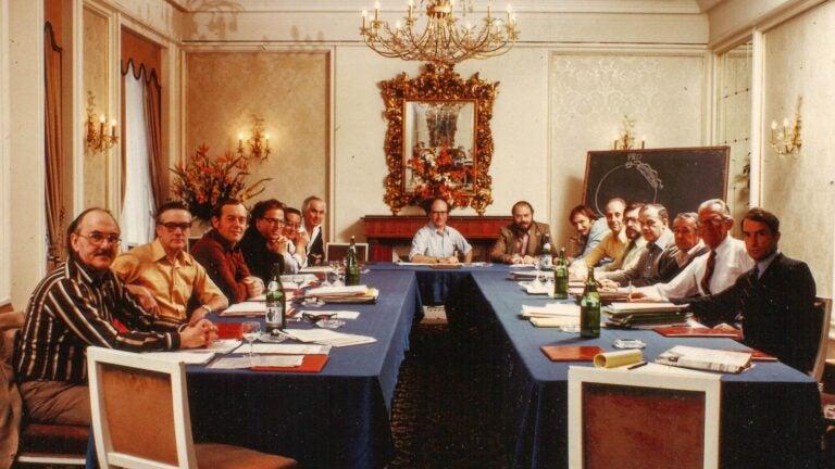 photo of Walter Gilbert at a Biogen Meeting