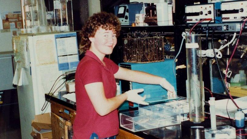 photo of Carol Greider at UC Berkeley 1985