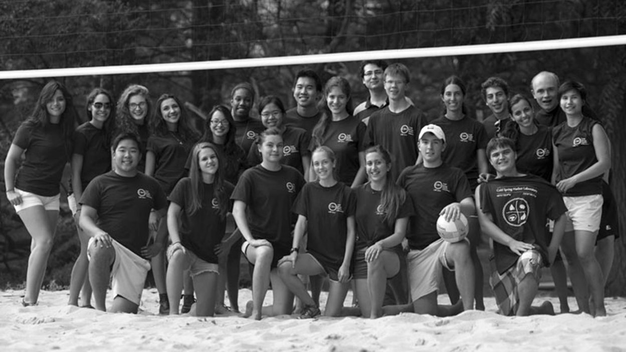 photo of the 2014 URPS volleyball team